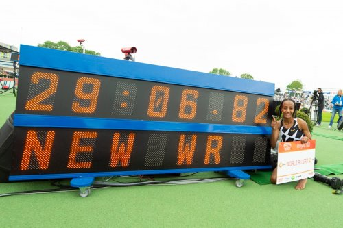 Letesenbet Gidey runs superb WR at 10,000m, 29:01.03, breaking two day old record by Sifan Hassan!