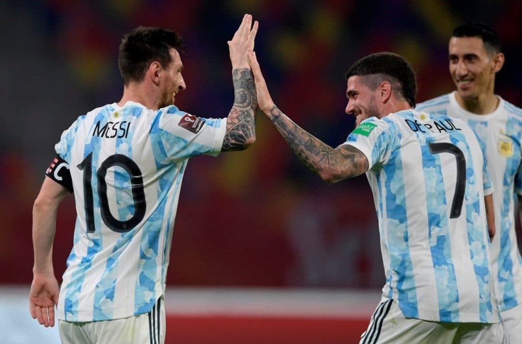 Highlights: Magical Messi dazzles to guide Argentina past Uruguay/Stats show Barca star carrying his country